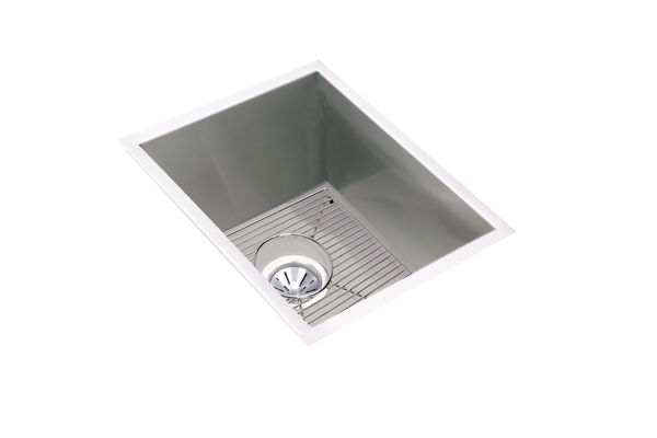"Elkay Crosstown 16 Gauge Stainless Steel 16-1/2"" x 20-1/2"" x 10"", Single Bowl Undermount Sink Kit"