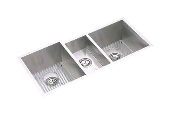"Elkay Crosstown 16 Gauge Stainless Steel 40"" x 20-1/2"" x 10"", Triple Bowl Undermount Sink Kit"